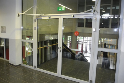 Hold-open system in school